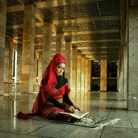 Mbak Enny :) by Fadjar Nurswanto - People Portraits of Women