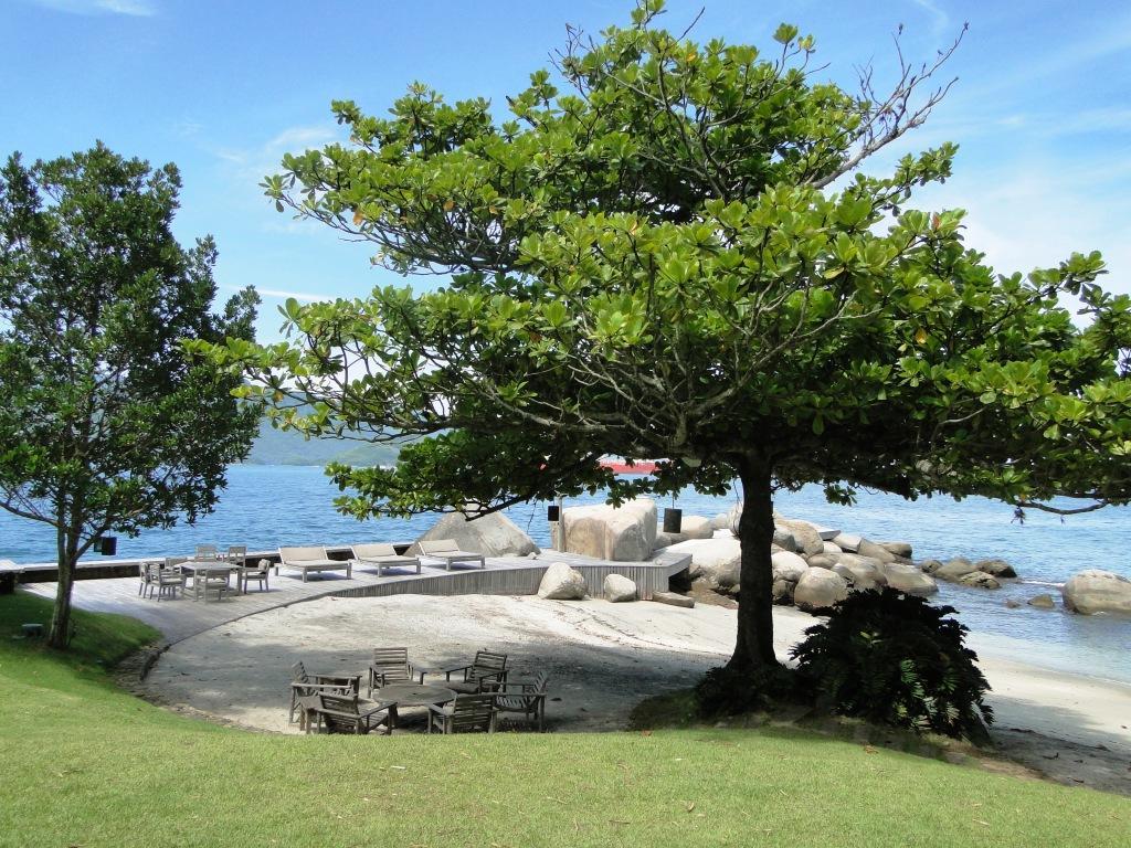 Porto Galo, Angra dos Reis - Casa Maravilhosa a beira Mar 840m² 06 Suítes para Venda.