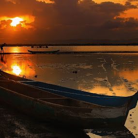 by Ruri Irawan - Transportation Boats ( garyfonglandscapes, holiday photo contest, photocontest )