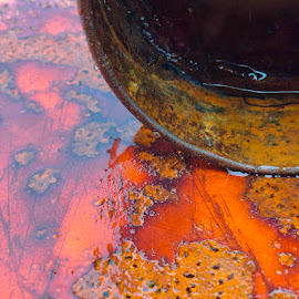 Rusty by Eirin Hansen - Abstract Water Drops & Splashes