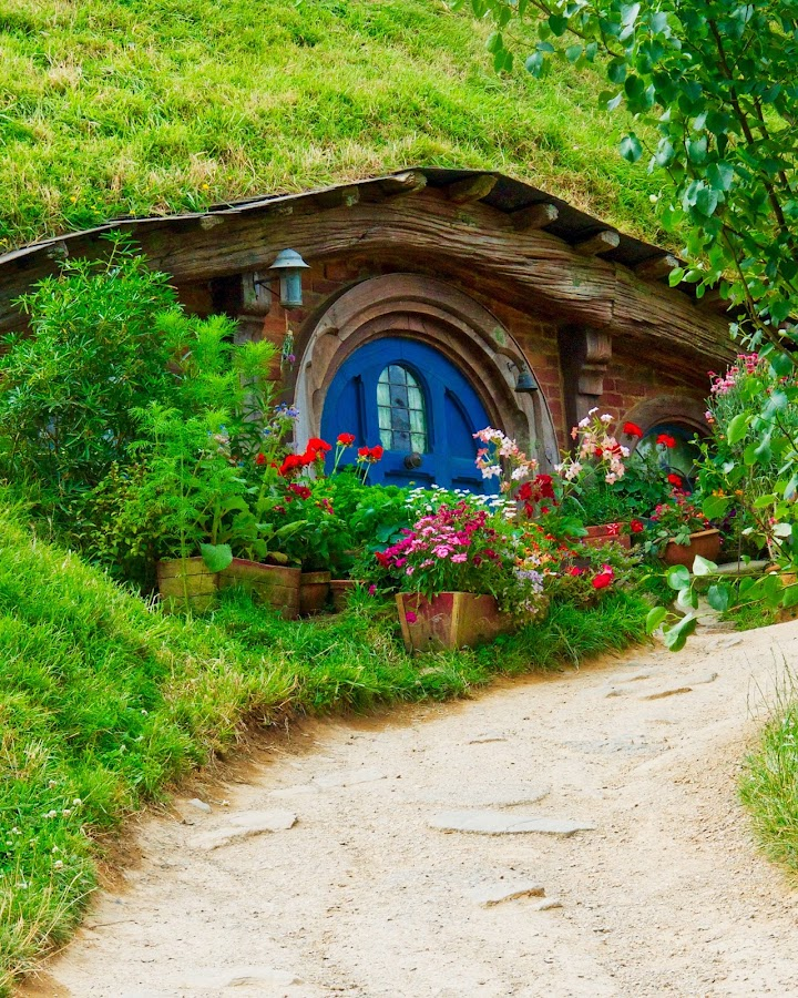 Pathway by Bryan Lowcay - Buildings & Architecture Homes (  )