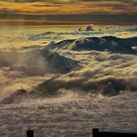 Meridional Carpathians Mountain's by Alah Ja Ja Bin - Landscapes Sunsets & Sunrises ( mountains, winter, nature, peak, altitude, snow, landscape photography, romania, sunrise, photography, colours )