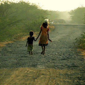 jeevan chalne ka naam,,.....( life is all about moving ahead ) by Vatsal Patel - Babies & Children Children Candids