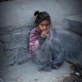 poor little girl in manikaran street .the smoke u are seeing is coming out of the hot spring by Parvesh Rana - Babies & Children Children Candids (  )