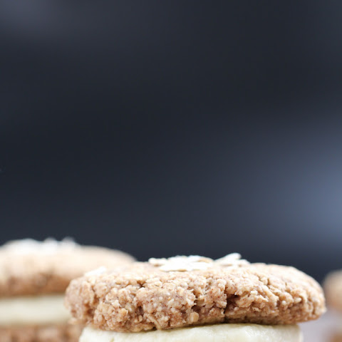 Gluten-Free Little Debbie Oatmeal Creme Pies {Low-Sugar}