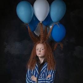 Balloon girl by Carola Kayen-mouthaan - Babies & Children Child Portraits ( balloon, fine art, girl, portrait, child,  )