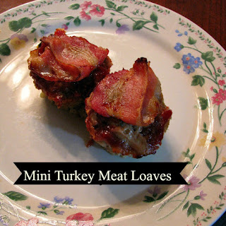 Mini Turkey Meatloaves and We Heart Cooking! Review