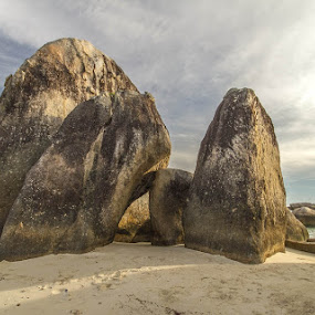 Standing Rock of Belitung by GilaMoto GilaMoto - Novices Only Landscapes