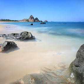 Kute beach Lombok by Adhii Motorku - Landscapes Waterscapes