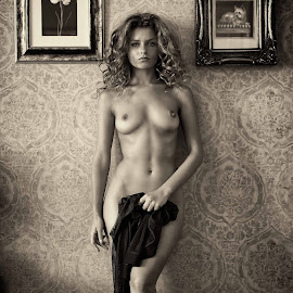 3 portrait by Ben Ernst - Nudes & Boudoir Artistic Nude ( nude, indoor, julia yorashenko, paintings, room )