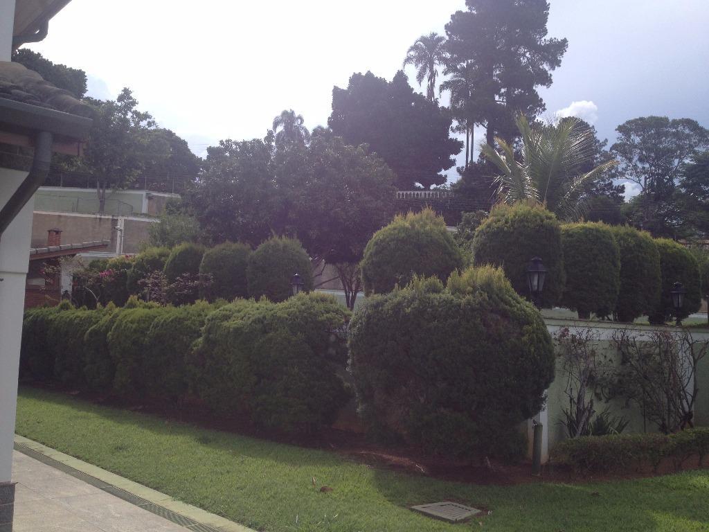 Área à venda em Bragança Paulista de 15 mil metros com 3 galpões e casa sede com piscina