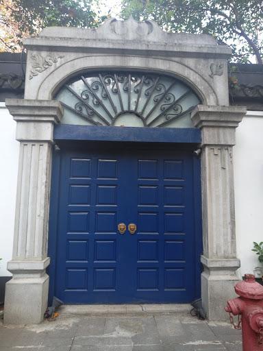 1912绿色大门