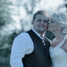 by Sonja Ungerer - Wedding Bride & Groom