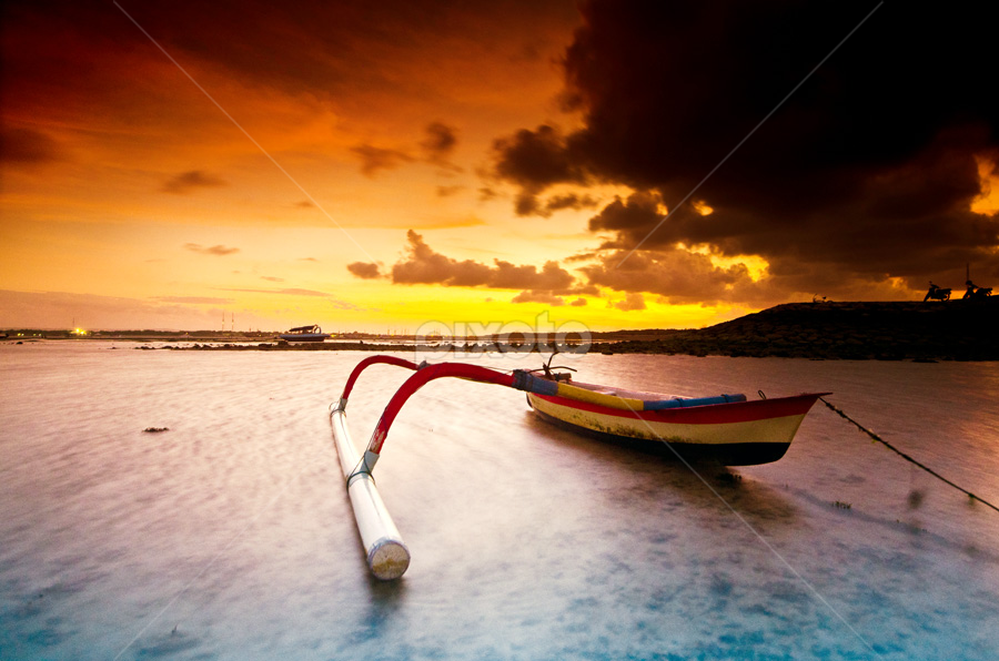 one counterweight by Wisnu Taranninggrat - Landscapes Waterscapes