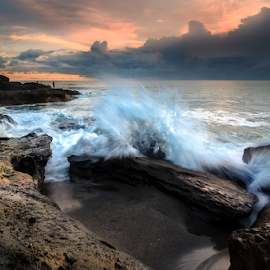 Gelak Canda Tawa by Raung Binaia - Landscapes Waterscapes ( water, bali, sunset, wave, beach, rocks )