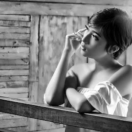 tia by Kawan Santoso - Black & White Portraits & People