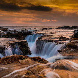West Side Sun Down by Jared Goodwin - Landscapes Sunsets & Sunrises ( water, clouds, sunrises, waterscape, cloudscape, sea, rock, seascape, landscape, paradise, sun, blue, sunset, sunsets, sunrays, cloudy, cloud, long exposure, sunshine, sunrise, gold, landscapes, rocks, slow shutter, golden, hawaii, golden hour )