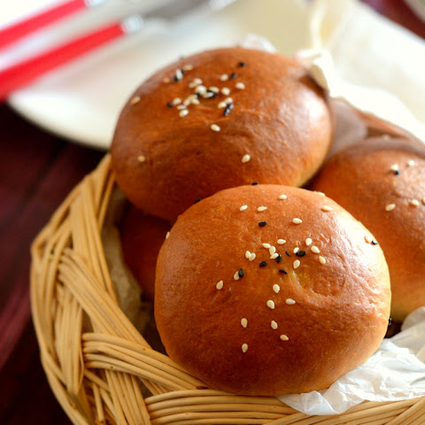 STUFFED BUNS WITH PANEER MASALA