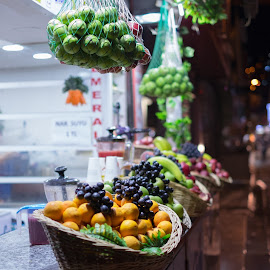 Fresh and smelly by Grigoris Koulouriotis - Food & Drink Fruits & Vegetables ( shop, market, night photography, night scene, fresh, smells, fruits, night, street scenes, street photography )