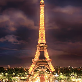 Eiffel by Night by Sefanya Dirgagunarsa - Buildings & Architecture Statues & Monuments ( landmark, travel,  )