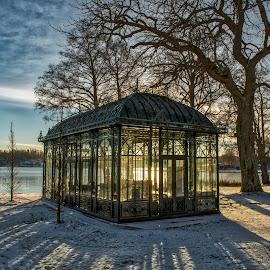 Wintersun by Lars-Ove Törnebohm - Buildings & Architecture Other Exteriors ( sweden, winter, tornephoto, djulö, katrineholm, sun )