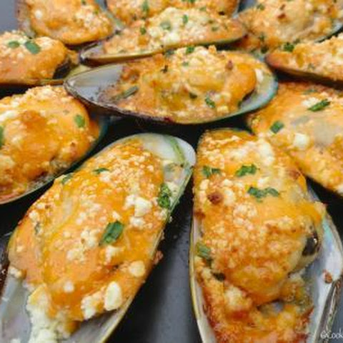 Bombdiggidy Baked Mussels
