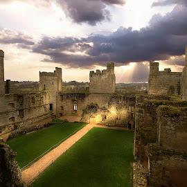 bodiam castle by Gjunior Photographer - Buildings & Architecture Public & Historical ( castle, public, landscape )