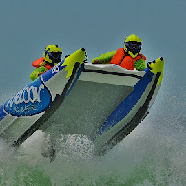 Wetcor cape by Verinda Bosch - Sports & Fitness Watersports ( rubberduck )