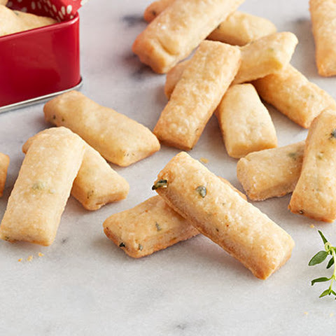 PHILLY Parmesan-Thyme Snack Crackers