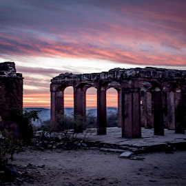 Sunrise in Jaipur by Melody Dashora - Buildings & Architecture Other Exteriors ( jaipur, ruins, india, trip, sunrise )