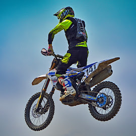 by Marco Bertamé - Sports & Fitness Motorsports ( free, sky, motocross, blue, air, seven hundred forthy-one, number, race, alone, competition, jump, 741 )