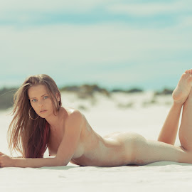 Sandy Light by Riaan Swanepoel - Nudes & Boudoir Artistic Nude ( model, dunes, nude, beach )