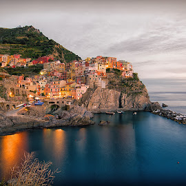 Manarola al crepuscolo by Dario Tarasconi - City,  Street & Park  Neighborhoods ( draw, cinque terre, liguria, sunset, seascape, manarola, five land )