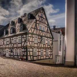 Idstein by Ole Steffensen - Buildings & Architecture Other Exteriors ( idstein, cobblestones, street, half-timbered house, germany, restaurant, street lamp )