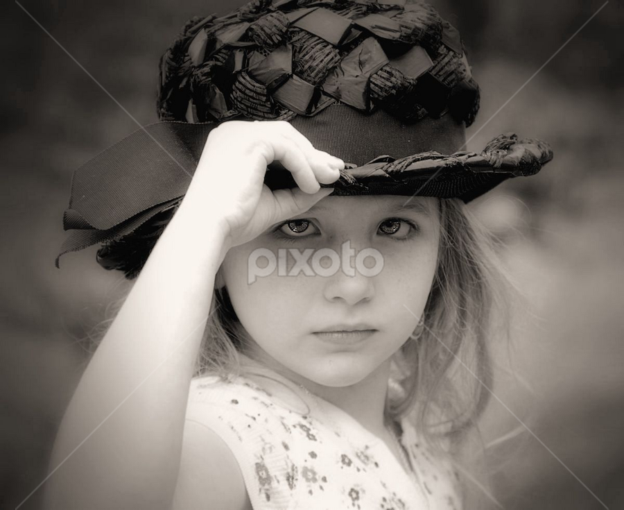 Black Hat by Sandy Considine - Babies & Children Child Portraits
