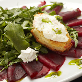 Baby Spinach, Beet & Goat Cheese Salad