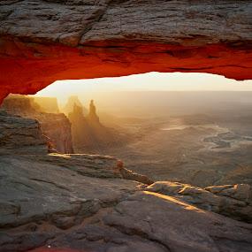 Mesa Arch by Ron Harper - Landscapes Deserts ( ut )