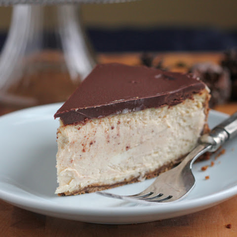 Cinnamon Eggnog Cheesecake