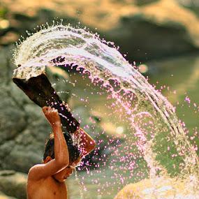Splash.. by Jaka Ferdiyanto - Babies & Children Children Candids