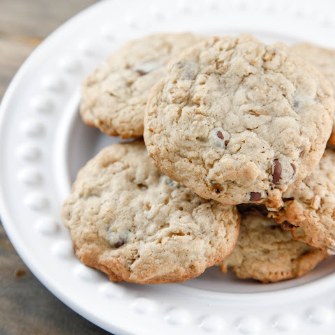 Spiced Oatmeal Chocolate Chip Cookies