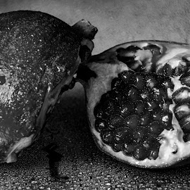 Pomagrante by Steve Friedman - Food & Drink Fruits & Vegetables ( water, fruit, pomagrante, black and white, fruits )
