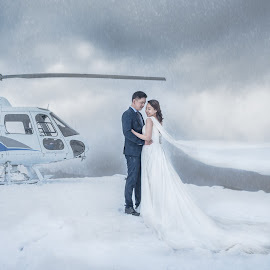 by Martin Setunsky - Wedding Bride & Groom