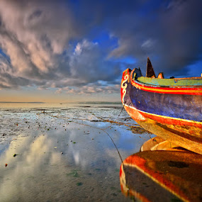 Quiescent by Hendri Suhandi - Landscapes Travel ( clouds, bali, tuban, indonesia, travel, sunrise, beach, seascape )