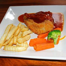 Chicken Steak by Mulawardi Sutanto - Food & Drink Plated Food ( cafe, steak, travel, enak, resto )