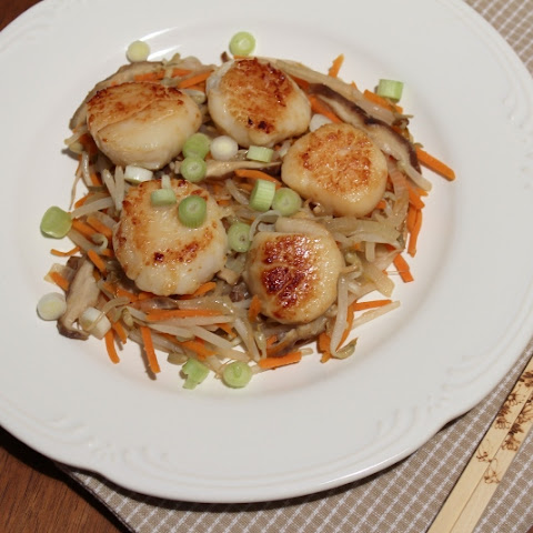 Scallops with Stir Fried Vegetables