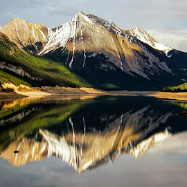 Medicine Lake by Stanley P. - Landscapes Waterscapes ( waterscapes )