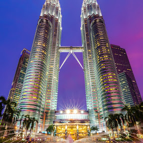 Petronas Twin Tower by Shahril Khmd - Buildings & Architecture Architectural Detail ( twin, tone, building, tower, lumpur, petronas, night, architecture, kuala, city )