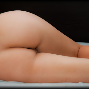 by Matthew Chambers - Nudes & Boudoir Artistic Nude