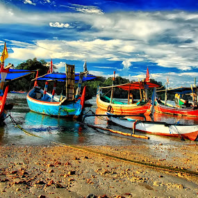 Sendangbiru by Alvin Lee Hahuly - Transportation Boats