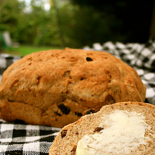 Cinnamon Apple-Raisin Oat Bread